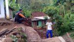 Dua Akses Jalan Desa di Situbondo Tertimbun Longsor