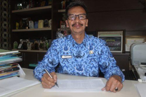 Kepala MTsN 1 Kota Malang, Drs Samsudin MPd. (rhd)