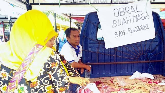 Viral Buah Naga Dibuang, 3 Jam 1 Ton Ludes Terjual di Kota Malang
