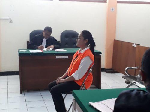 Maria Purbowati terdakwa dugaan Pasal 378 KUHP. (gie)