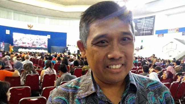 Dwi L. Pambudi, menjawab pertanyaan awak media, disela RAT. (rhd)