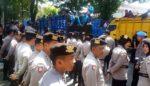 Ribuan Warga  Srimulyo Dampit Luruk Polres Malang