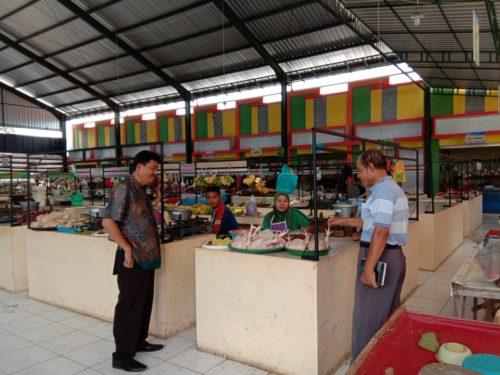Tim FKS Situbondo Tinjau Pasar Sehat di Mangaran