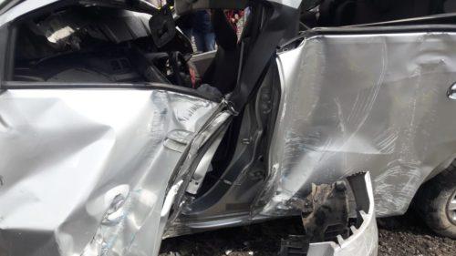 Mobil Spin Hancur Ditabrak KA Penataran di Perlintasan Tenggulunan