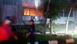 Tak sampai 30 Menit, Kebakaran di FKM Unair Teratasi