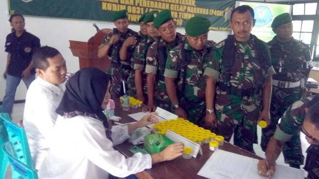 BNNK Sasar Tentara Kodim 0831 Surabaya Timur Sosialisasi dan Tes Urine