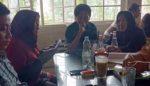 Emak-Emak Desa Ketegan Tolak Bongkar Pasang Ijin Rumah Persemayaman Jenazah Surga Pelangi (1/berambung )