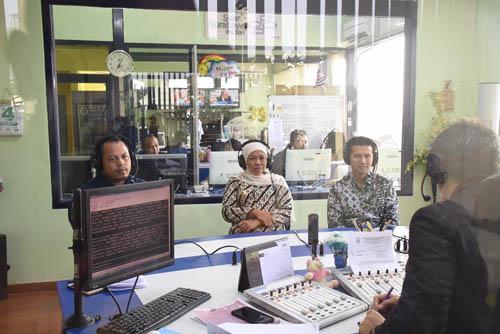 Siaran di Radio, Khofifah Ingatkan Pemilu Damai