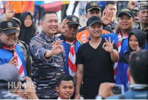 Wabup Trenggalek – Lantamal V Surabaya Kibarkan Bendera di Dasar Laut, Peringati Hari Bumi