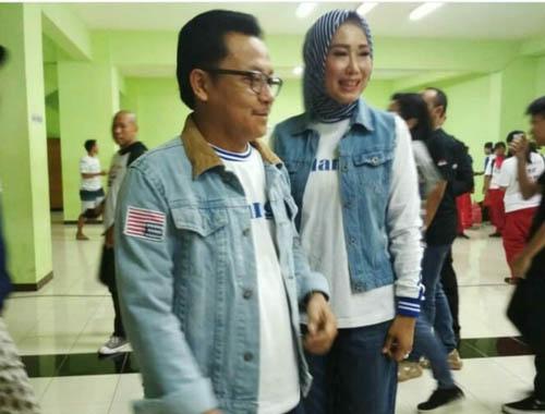 Sutiaji beserta istri, akan hadir di Stadion Kanjuruhan untuk memberikan dukungan kepada Arema FC. (rhd)