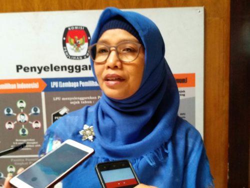 Aminah Asminingtyas, menjawab pertanyaan awak media. (rhd)