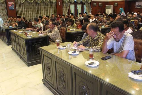Para tokoh agama yang turut terlibat dalam forum diskusi. (rhd)
