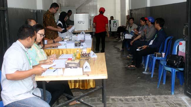 Animo pemilih PSU di TPS 09 Kelurahan Bunulrejo Kecamatan Blimbing. (rhd)