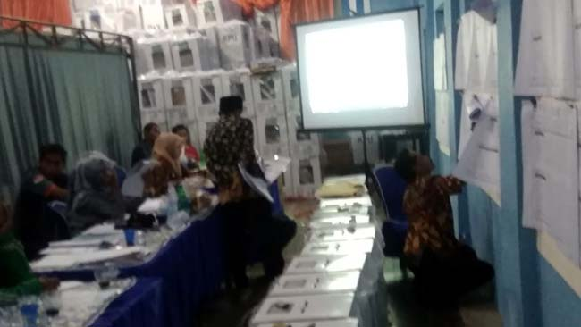 Rekapitulasi Surat Suara Satu Desa di Sumawe, Telan  Waktu Hampir Dua Hari. Begini Alasannya…