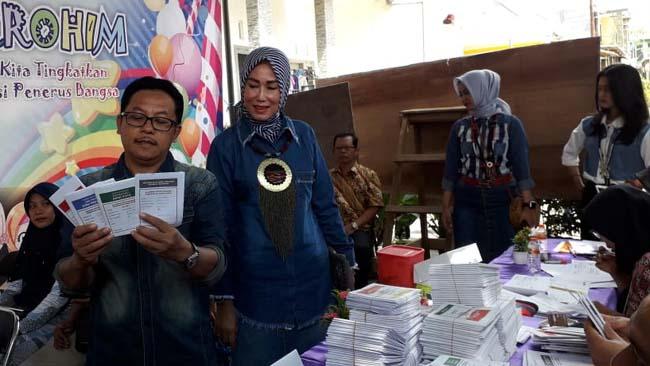 Walikota Malang dan Keluarga Coblos di TPS 02
