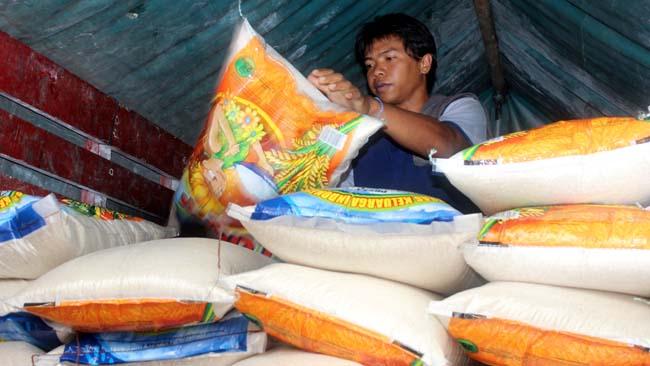 Bulog siapkan 26.000 ton beras. (rhd)