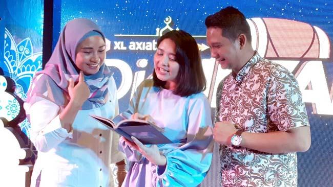 Deri Puspita Yani, Marchella FP, dan Bayu Arie Wicaksono. (rhd)