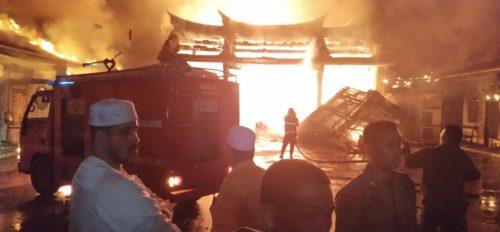 bangunan tempat ibadah klenteng yang terbakar (pix)
