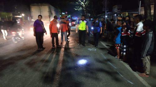 Petugas Laka Lantas Polres Malang Kota lakukan penyelidikan. (ist)