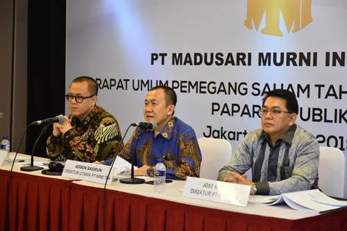 Adikin Basirun (Direktur Utama PT Madusari Murni Indah Tbk), diapit Donny Winarno (Direktur PT Madusari Murni Indah Tbk), dan Jose G. Tan (Direktur PT Madusari Murni Indah Tbk), saat RUPST 2019. (ist)