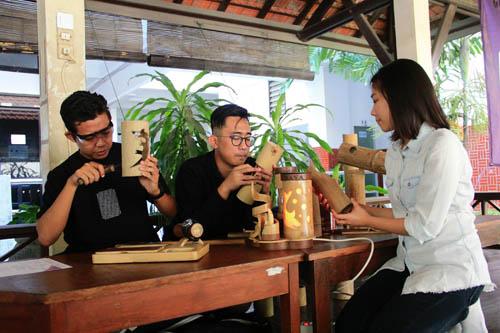 Dua Mahasiswa FIK Ubaya Raih Penghargaan 'Best Design' Tingkat Nasional
