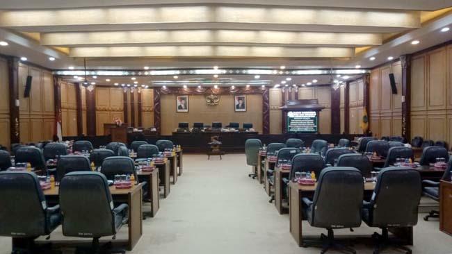 GAGAL - Rencana Paripurna Rancangan KUPA PPAS P Tahun 2019 dua kali gagal lantaran tidak kuorum hanya dihadiri 25 anggota dewan sebanyak 2 kali, Senin (12/08/2019)