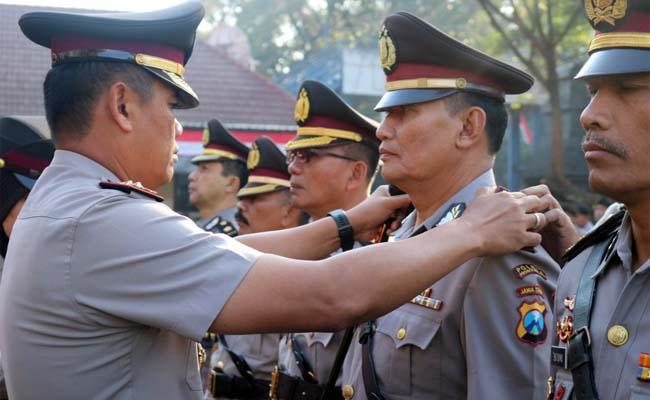 Serah terima jabatan Kasat Sabhara, Kapolsekta Blimbing dan Kapolsekta Kedungkandang. (ist)