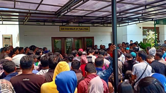 Sebanyak 1500 pelanggar lalu lintas yang terjaring operasi Patuh 2019, datangi Kejaksaan Negeri Kota Malang. (ist)