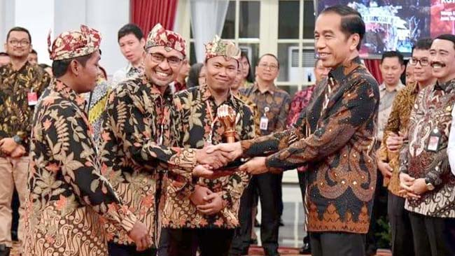 Bangga : Prestasi hantarkan perwakilan warga Desa Sidomulyo bisa menerima penghargaan langsung dari Presiden RI Joko Widodo di Istana Kepresidenan, Senin kemarin (2/9/2019)