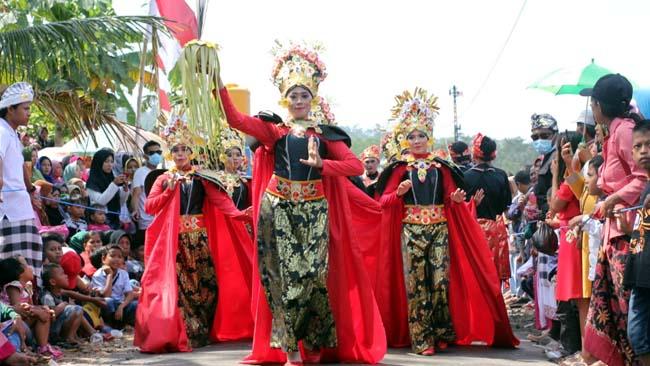Kemeriahan Pawai Budaya di Klakah Lumajang, Sambut HUT RI ke 74