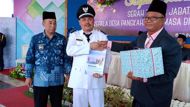 Kepala Desa Pangkahkulon, Kecamatan Ujungpangkah, Kabupaten Gresik, Ahmad Fauron periode 2019-2025 saat acara sertijab kemarin