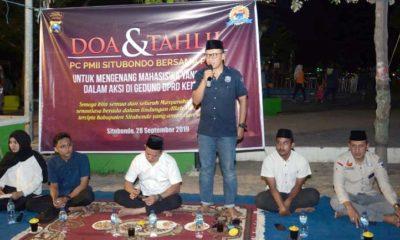 DOA BERSAMA : Situasi Tahlil dan Doa Bersama yang berlangsung di alun-alun kota Situbondo. (her)
