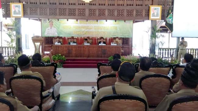Pelaksanaan Pembinaan, Monev, serta Pengawasan keuangan Desa, di Pendopo Kabupaten Malang, Jalan Panji, Kepanjen. (tim)