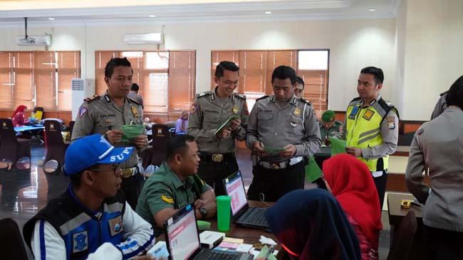 Peringati Hari Lalu Lintas ke 64 TNI-Polri Donor Darah di Mapolres Malang Kota