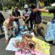 Puluhan wartwan melakukan aksi demo di alun-alun Sidoarjo (gus)