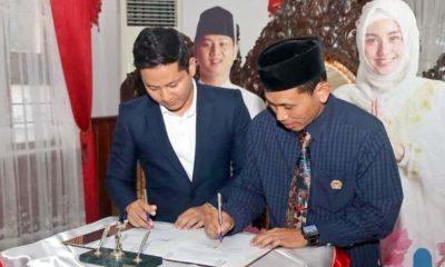 Bupati Arifin tandatangani Naskah Perjanjian Hibah Daerah (NPHD) bersama Ketua KPU Kabupaten Trenggalek. (mil)