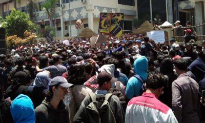 Digeruduk Mahasiswa, DPRD Jember Janji Teruskan Tuntutan