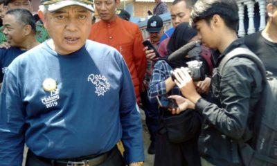 Bupati Malang Drs HM Sanusi MM Seusai membuka Pesona Desa Wisata di Jabung. (SUR)