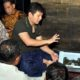 Bupati Arifin saat mempresentasikan pengembangan obyek wisata di Pantai Mutiara
