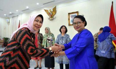 Walikota Batu Terima Penghargaan Anugerah Parahita Ekapraya