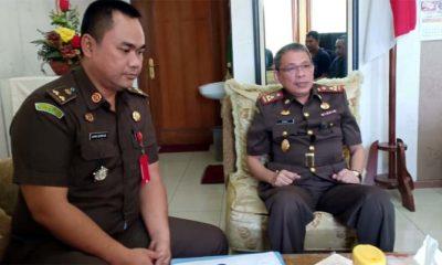 Kajari Kota Malang Andi Darmawangsa bersama Kasi Pidsus Ujang Supriadi. (Ist)