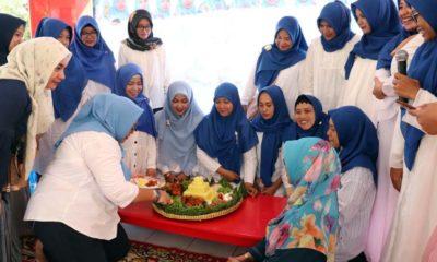 Peringati Hari Guru Nasional, Orang Tua Siswa KB-TK Al Muslim Ngajar di Kelas