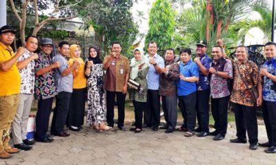 Kepala Desa dan Lurah Wilayah Kecamatan Turen Foto bersama Trisulawanto Camat Turen. (sur)