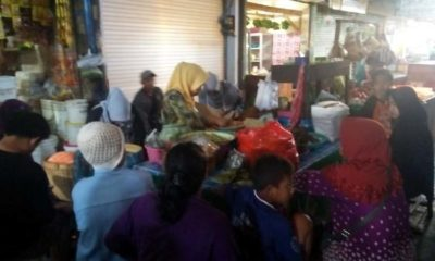 Nasi Empok Pecel Mak Panin Pasar Besar Kota Batu, Diburu Warga Luar Kota