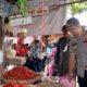Bupati dan Kapolres Trenggalek sidak harga sembako di Pasar tradisional. (mil)