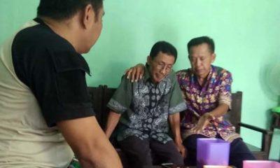 Keluarga korban berduka dan tak kuasa menahan air mata (foto.dul.memontum.com)