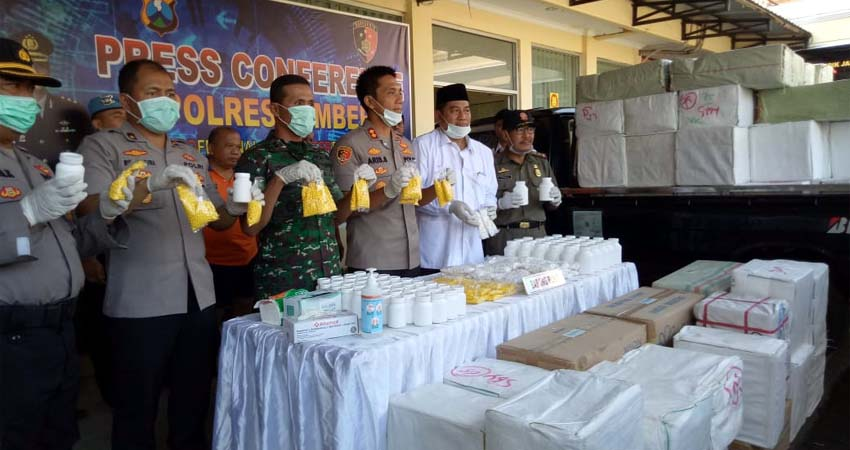 Kapolres Jember lakukan Press Conference penangkapan Bandar besar Okerbaya di Mapolres Jember. (ist)