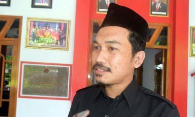 Ketua Bawaslu Trenggalek usai melakukan koordinasi di DPC PDI Perjuangan Trenggalek. (ist)