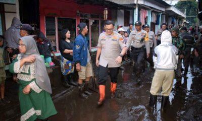 Kapolres Erick Frendriz Tinjau Langsung Lokasi Terdampak Banjir Di Kecamatan Ijen