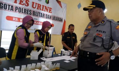 Perangi Narkoba, Polres Blitar Gelar Tes Urine Bagi Anggotanya